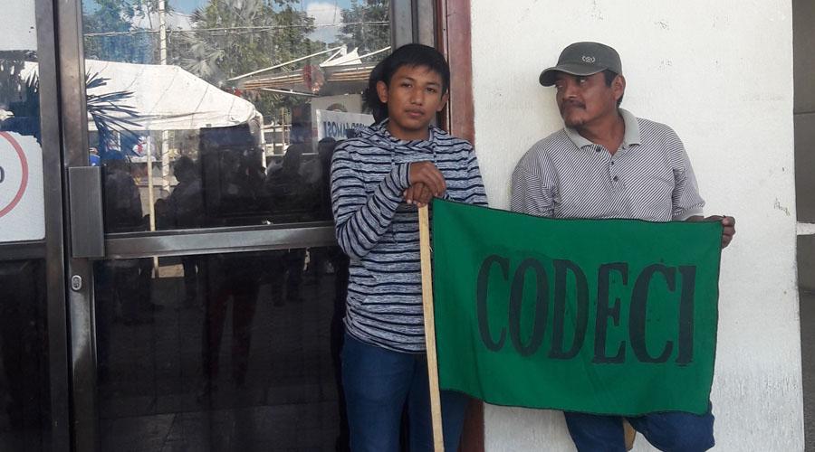 Codeci bloquea  Tribunal Agrario   El Imparcial de Oaxaca