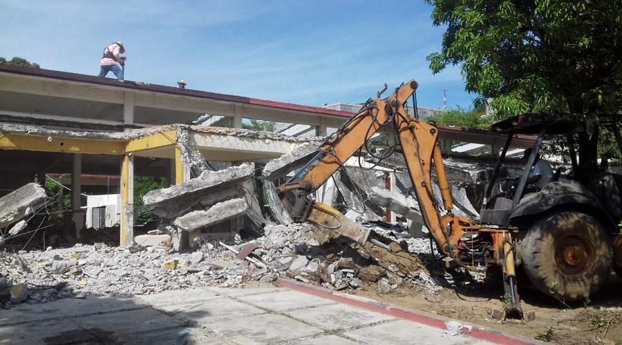 Detienen en el Istmo la obra de  la reconstrucción del Centro de Salud   El Imparcial de Oaxaca