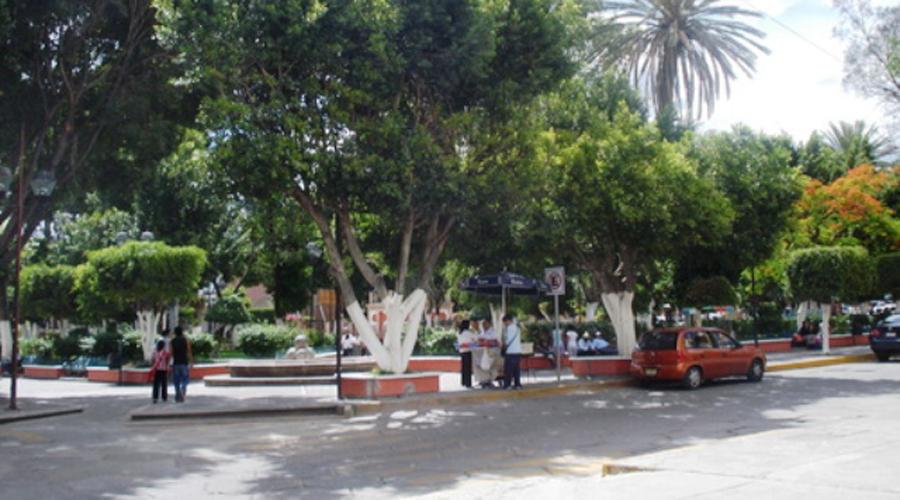 Detienen a hombre que inhalaba sustancias en parque de Huajuapan | El Imparcial de Oaxaca