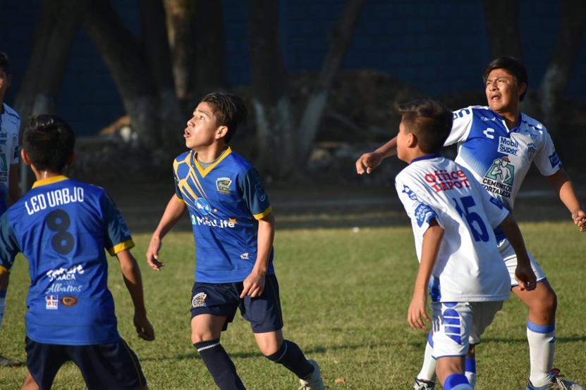 Pachuca se alzó con el título de la categoría Juvenil A en Liga San José de Calasanz   El Imparcial de Oaxaca