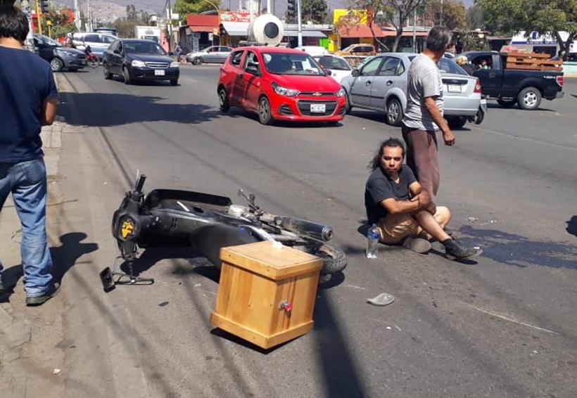 Taxista embiste a dos motociclistas en Ixcotel | El Imparcial de Oaxaca