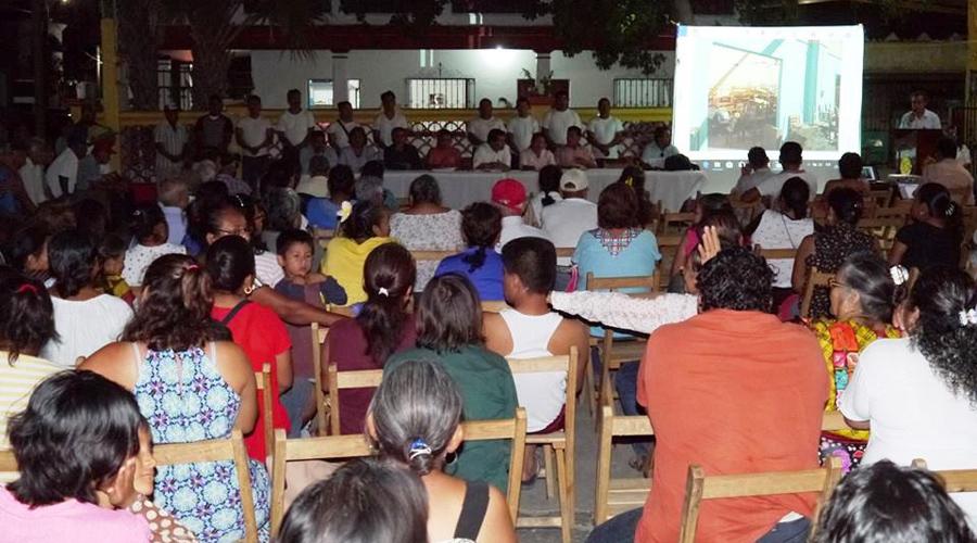 Acusan a expresidente de Mixtequilla de acabar con recursos del pueblo   El Imparcial de Oaxaca