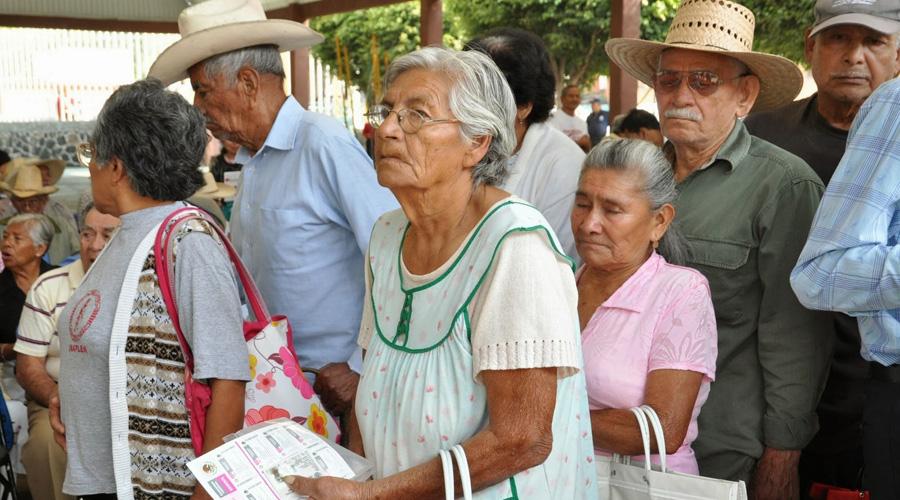 Discrecionalidad en apoyos; 40 % de ancianos eran beneficiados por pertencer a un partido | El Imparcial de Oaxaca