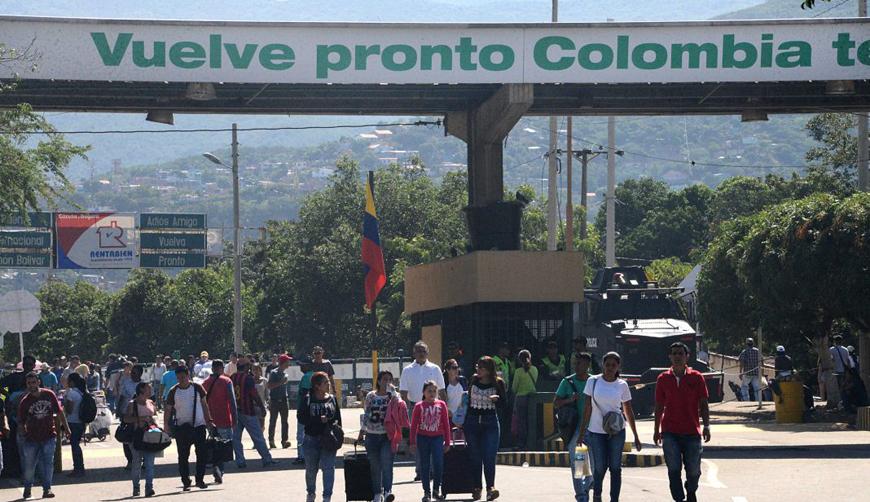 Niegan la entrada de 10 personas cercanas a Maduro en Colombia | El Imparcial de Oaxaca