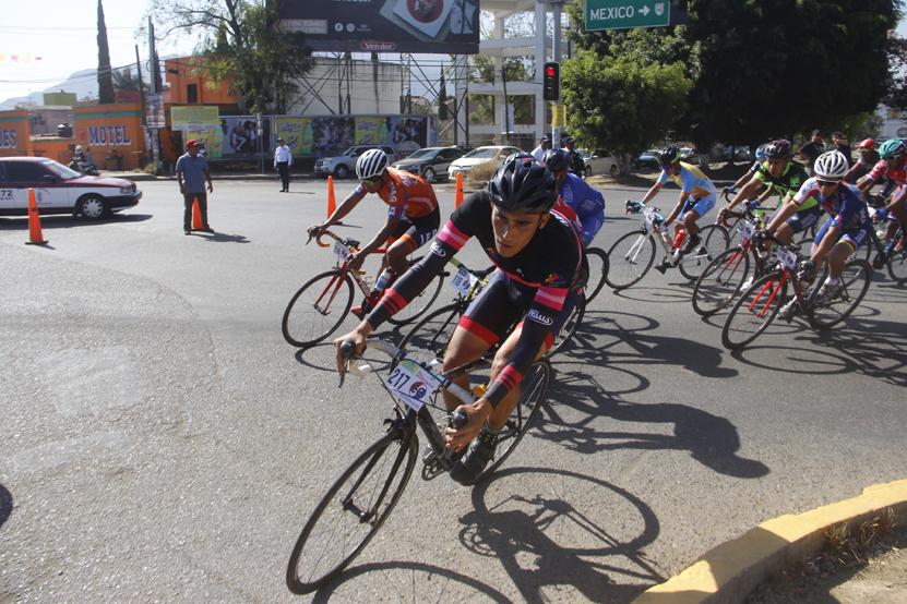Corren El Rey de la Montaña   El Imparcial de Oaxaca