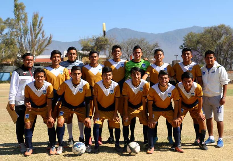 Plumaje de campeones; Gavilanes de la UABJO conquistan la eliminatoria estatal de futbol | El Imparcial de Oaxaca