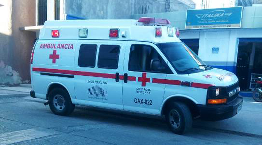 Se lesiona motociclista al caer a barranco de Saucitlán de Morelos   El Imparcial de Oaxaca
