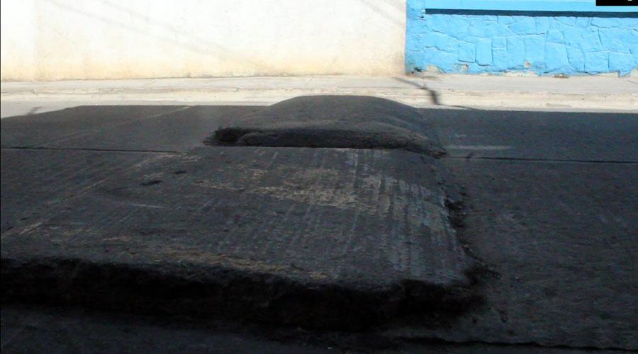 Por falta de educación vial, peatones se pronuncian a favor de los topes | El Imparcial de Oaxaca