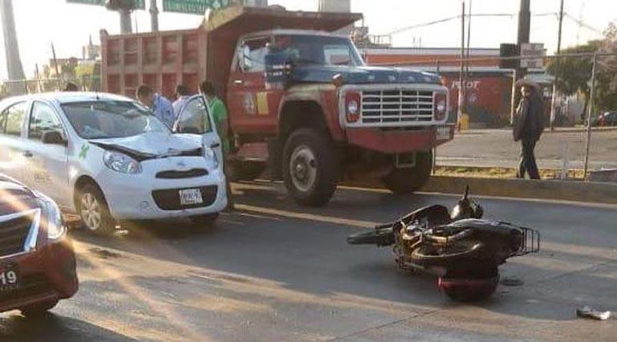 Atropella automóvil a motociclista en el periférico de Oaxaca | El Imparcial de Oaxaca