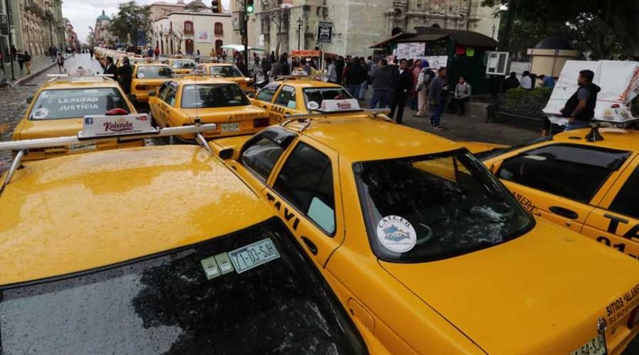 Se quejan usuarios de tarifas abusivas en taxis del centro de Oaxaca   El Imparcial de Oaxaca