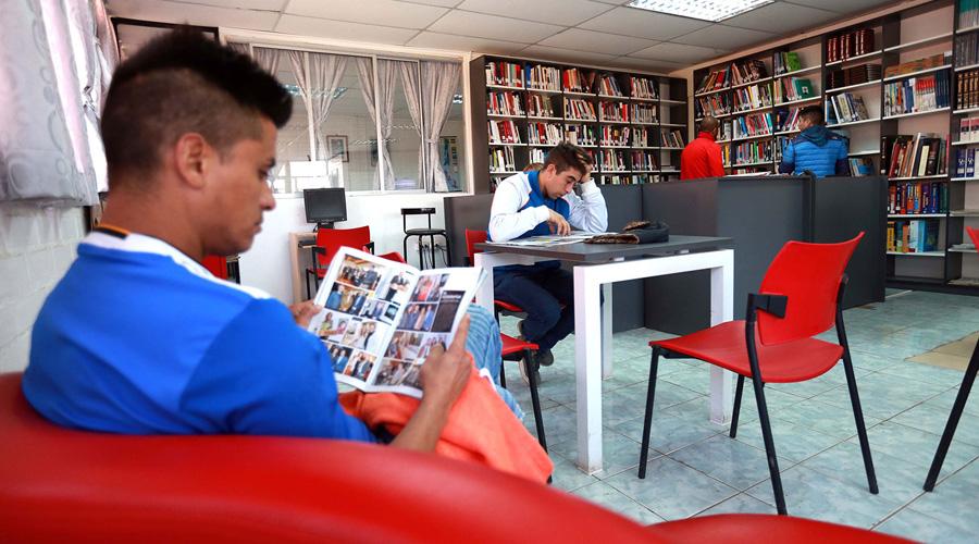 Bajan, aún más, cifras de lectores en México | El Imparcial de Oaxaca