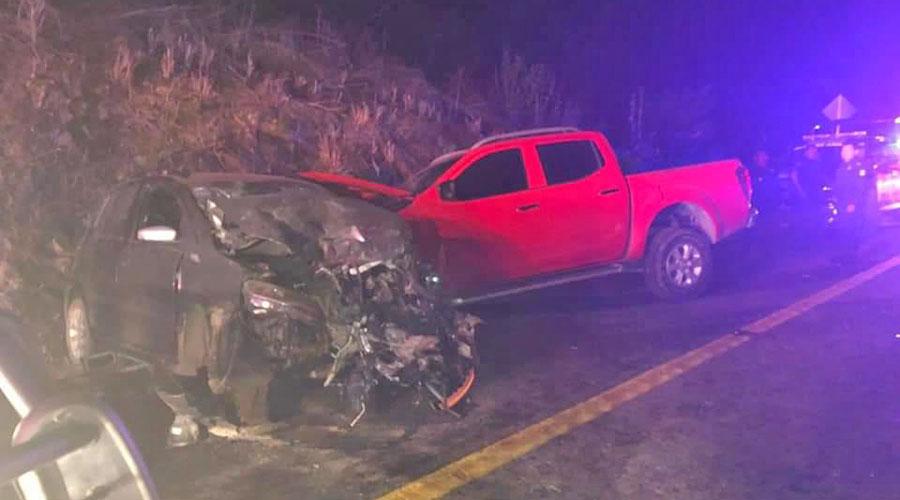 Fuerte accidente vial en puente Coyula deja tres lesionados | El Imparcial de Oaxaca