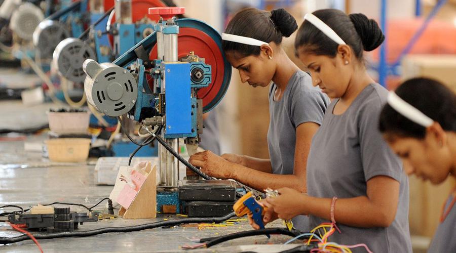 Crecen salarios y prestaciones de empleados del sector manufacturero   El Imparcial de Oaxaca