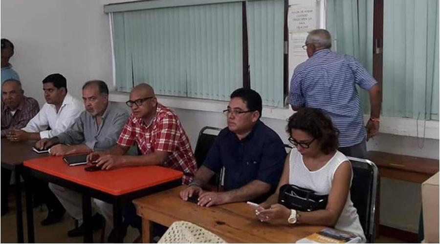 Tras bloqueo, reabren escuela en Tlacoatzintepec | El Imparcial de Oaxaca