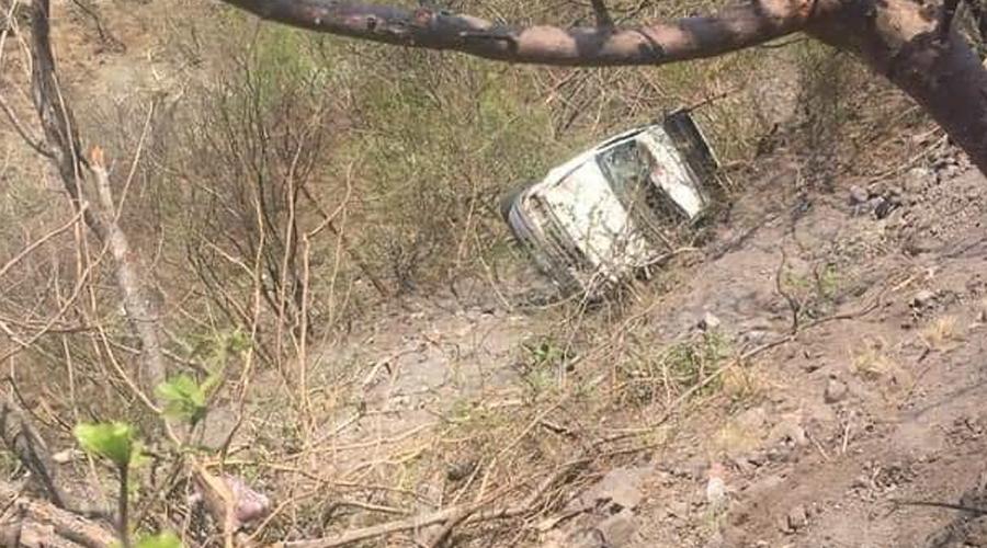 Volcadura de camioneta deja cinco lesionados, entre ellos un bebé | El Imparcial de Oaxaca