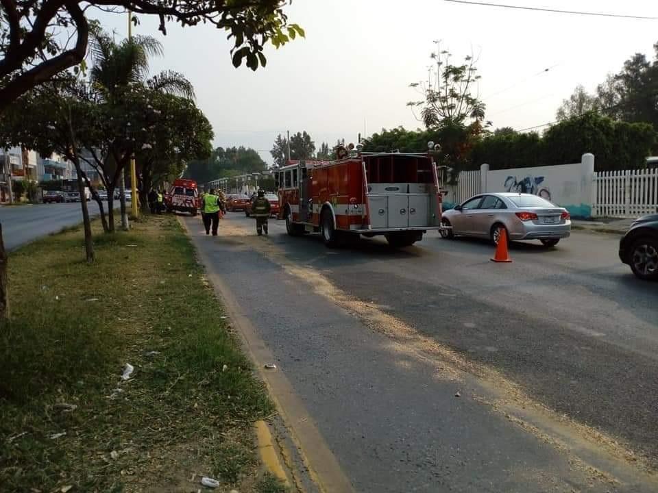 Derrapan motociclistas  sobre avenida Universidad | El Imparcial de Oaxaca