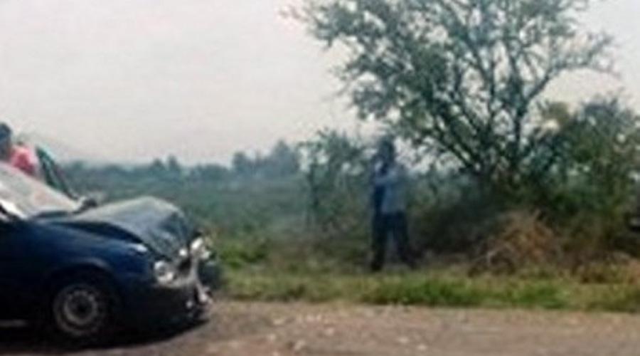 Chocan taxi y auto particular en Rancho Solano, Huajuapan | El Imparcial de Oaxaca