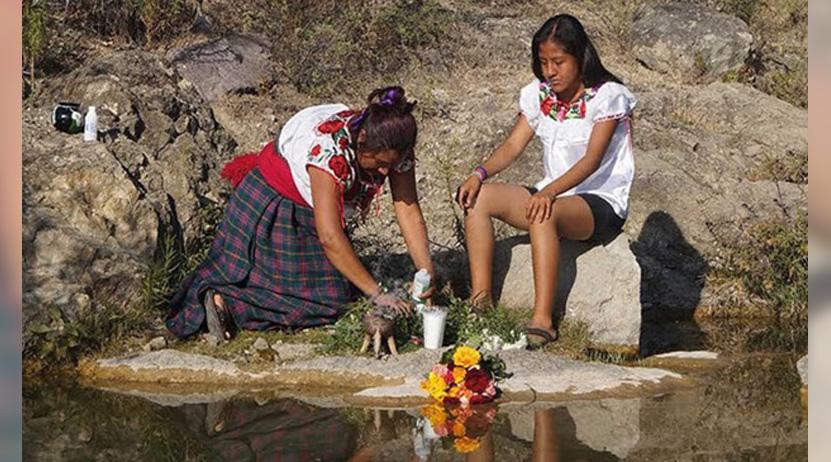 Nis, videoclip sobre el agua y la mujer   El Imparcial de Oaxaca