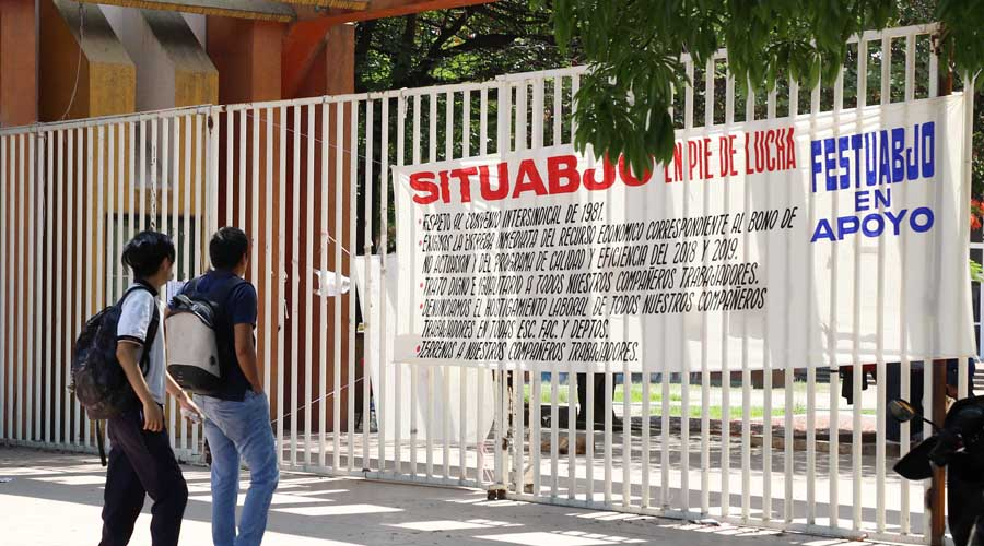 Se moviliza SITUABJO; bloquea avenidas y planteles | El Imparcial de Oaxaca