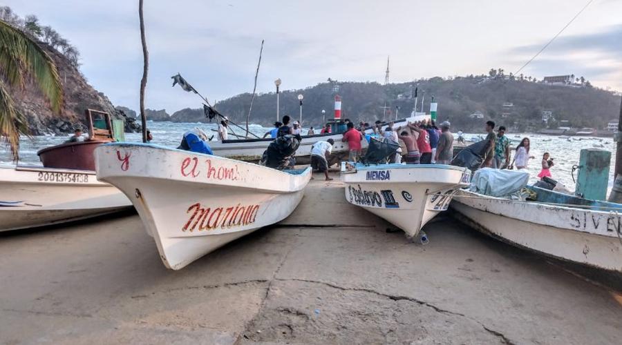 Mar de fondo golpea las costas oaxaqueñas | El Imparcial de Oaxaca