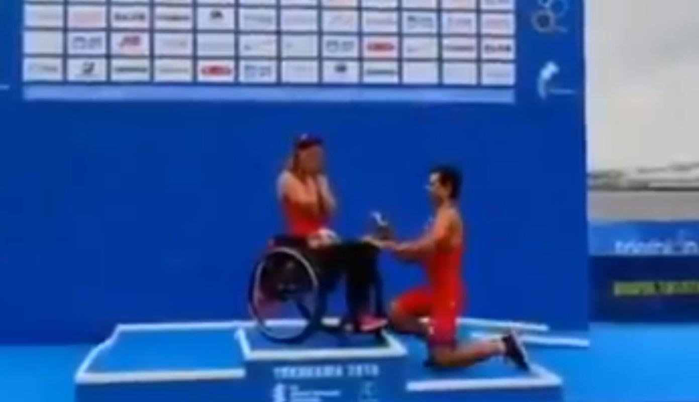 Video: Atleta paralímpica recibe propuesta de matrimonio en el podio | El Imparcial de Oaxaca