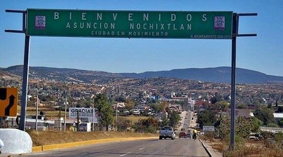 Recuperan taxi robado en Asunción Nochixtlán, Oaxaca | El Imparcial de Oaxaca