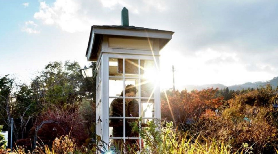 Para enfrentar duelo, instalan cabina telefónica para hablar con los muertos en Japón   El Imparcial de Oaxaca