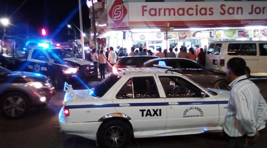 Desalojan farmacia en Huajuapan de León, Oaxaca | El Imparcial de Oaxaca