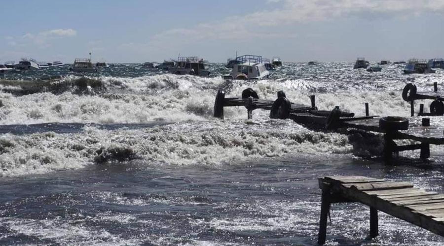 Olas de dos metros en lago Titicaca generan alarma | El Imparcial de Oaxaca
