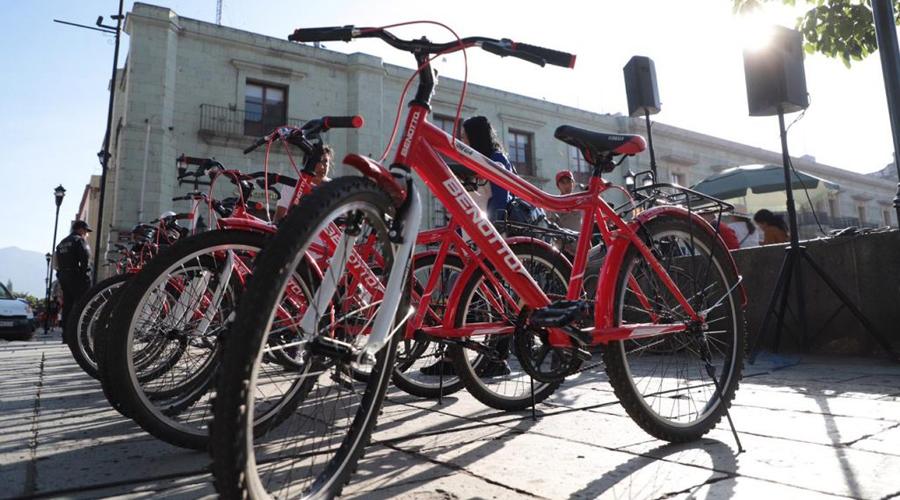 """Un peligro circular por la nueva ciclovía """"Feria de la Guelaguetza""""   El Imparcial de Oaxaca"""