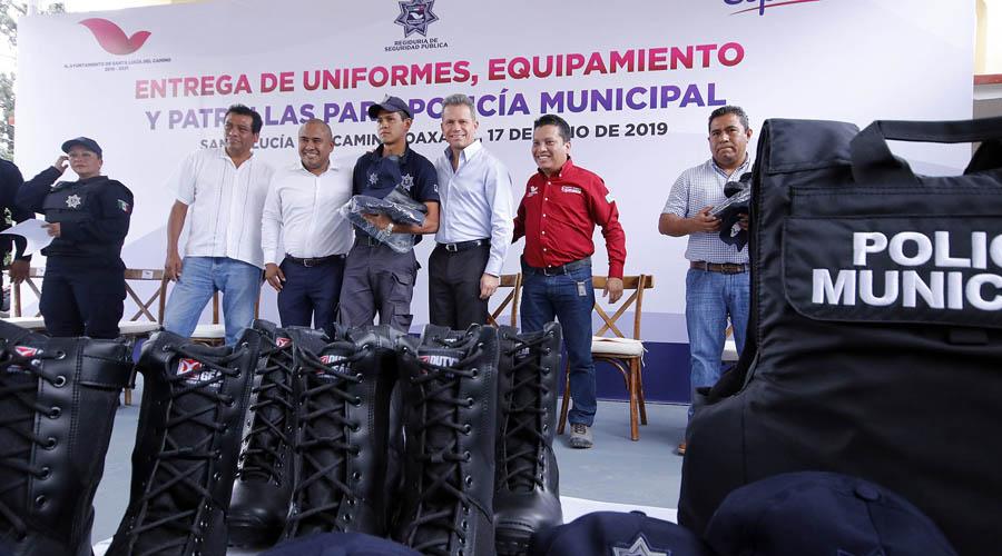 Equipan a policía municipal de Santa Lucía del Camino | El Imparcial de Oaxaca