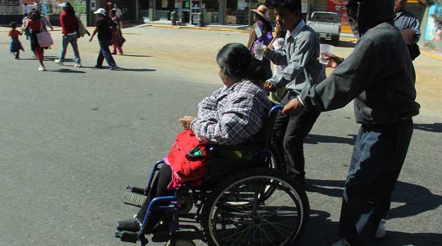 Buscan accesibilidad para personas con discapacidad en la ciudad capital | El Imparcial de Oaxaca