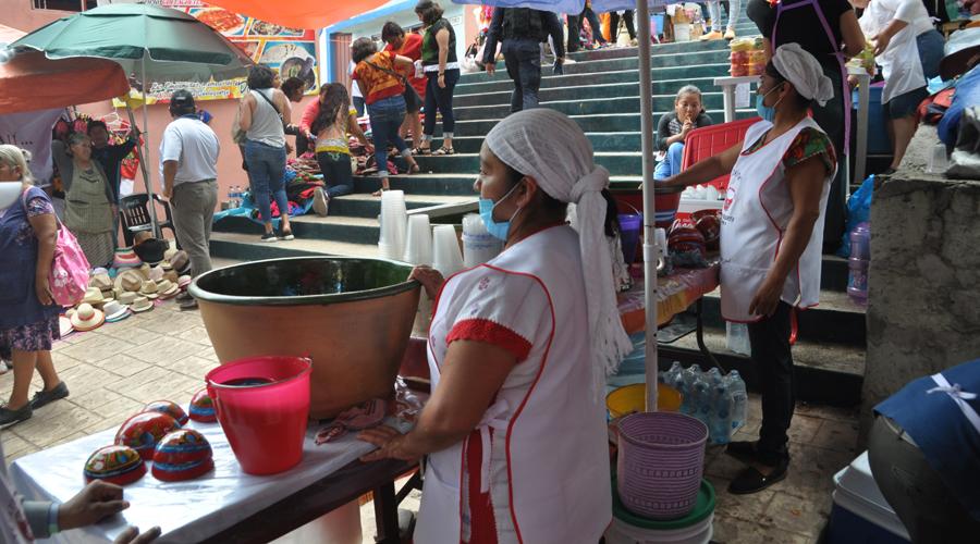 Durante la Guelaguetza, vendimia invade las Escaleras del Fortín | El Imparcial de Oaxaca