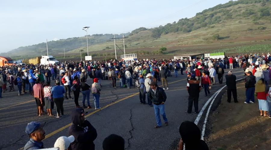 Habitantes de Ocotepec cierran la carretera 190 | El Imparcial de Oaxaca