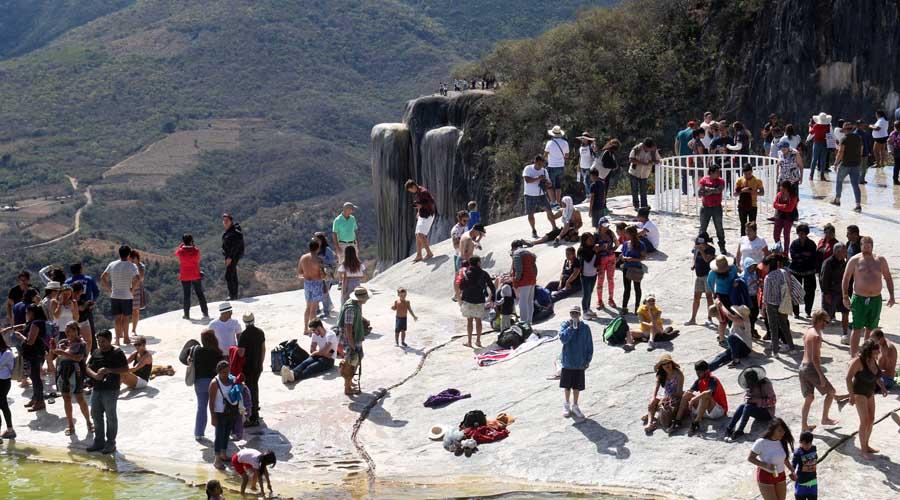Veta Roaguía a dos empresas turísticas en Hierve el Agua | El Imparcial de Oaxaca