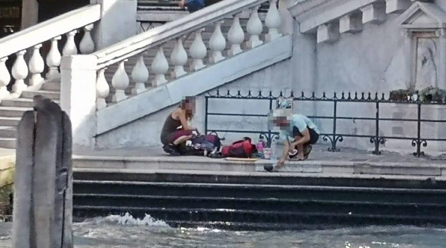 Expulsan a turistas de Venecia por prepararse café | El Imparcial de Oaxaca