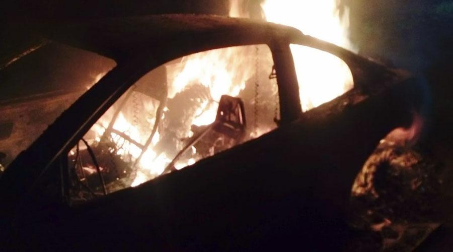 Hallan auto en llamas con cuatro cuerpos calcinados en Cozoaltepec, Tonameca | El Imparcial de Oaxaca