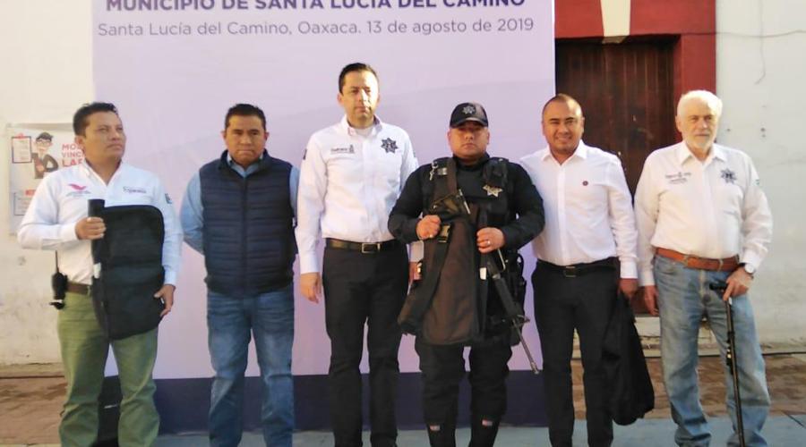 Recibe policía de Santa Lucía del Camino kit de primer respondiente del Fortaseg | El Imparcial de Oaxaca