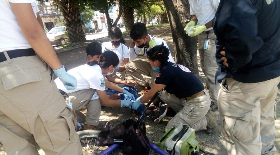 Taxi azul atropella a ciclista en avenida Ferrocarril | El Imparcial de Oaxaca