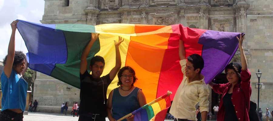 Piden a Murat vetar la ley de matrimonios igualitarios | El Imparcial de Oaxaca