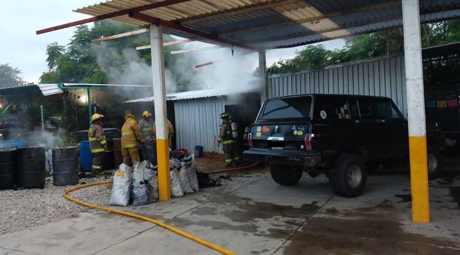 Arde bodega de carbón en San Francisco Tutla | El Imparcial de Oaxaca