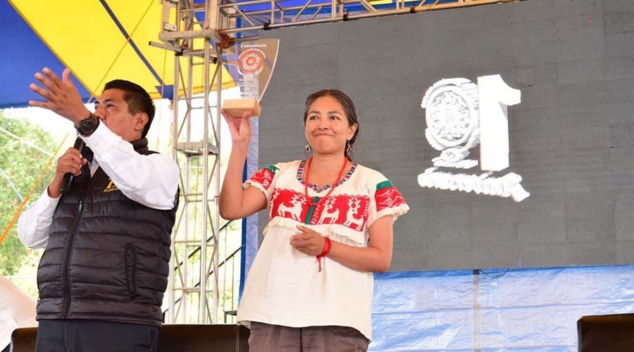 Convive Ángeles Cruz con jóvenes en Teposcolula | El Imparcial de Oaxaca