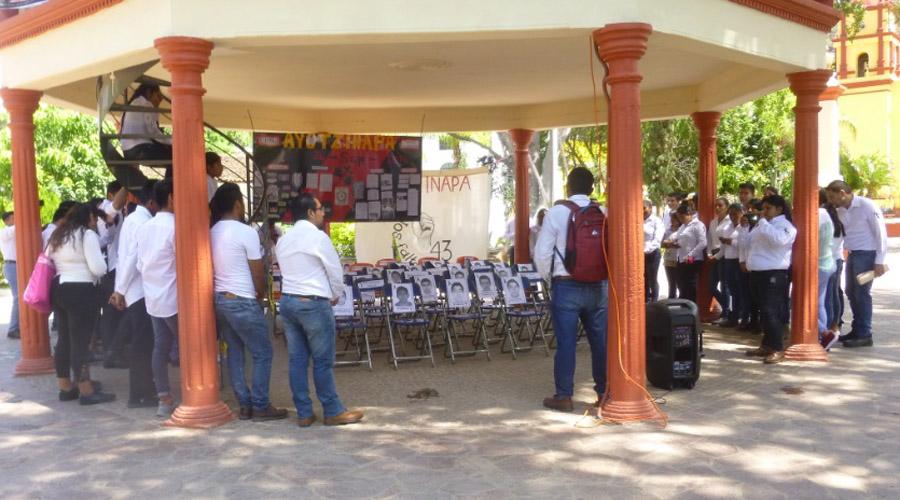 Recuerdan a los normalistas de Ayotzinapa en la Cañada | El Imparcial de Oaxaca