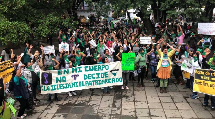 Reprueba Marea Verde foros sobre el aborto en Congreso Local de Oaxaca   El Imparcial de Oaxaca