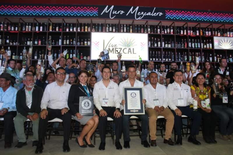 """Logran Récord Guinness  en Foro """"Vive Mezcal""""   El Imparcial de Oaxaca"""