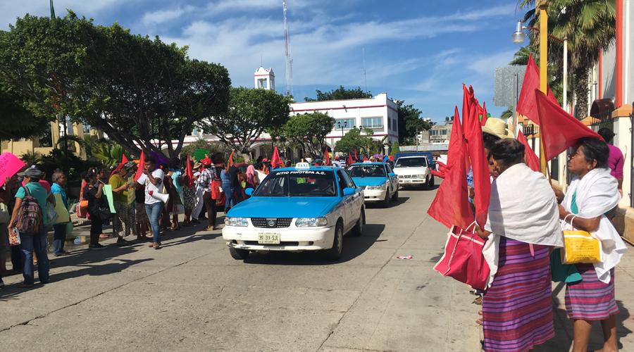 Antorchistas exigen conclusión de obras sociales en la Costa | El Imparcial de Oaxaca