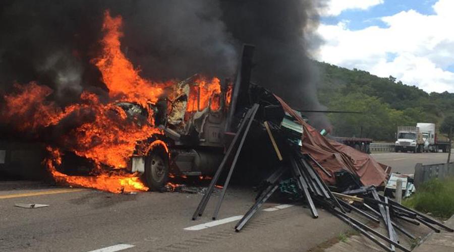 Bloqueo de Sección 22 provoca fatal accidente en Huitzo   El Imparcial de Oaxaca