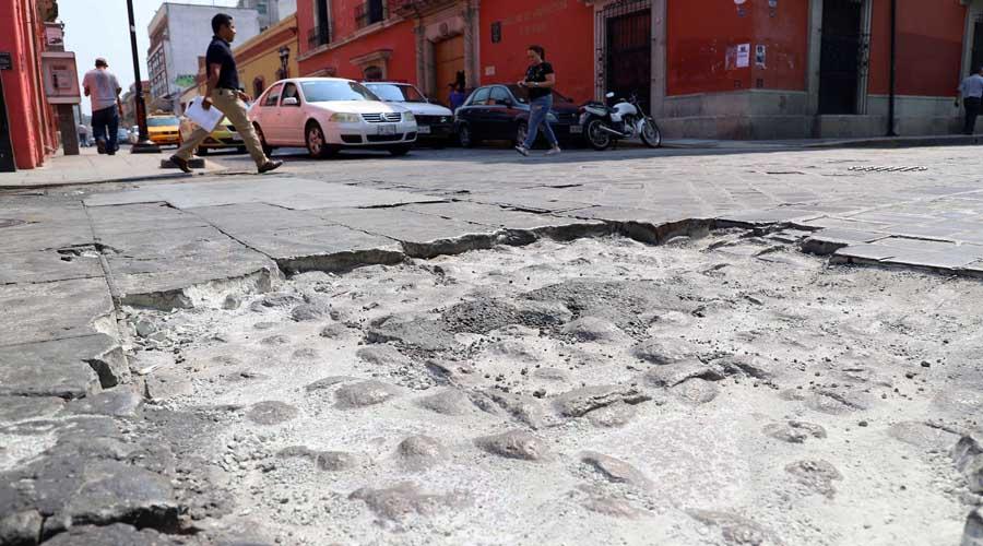 Mala calidad en los trabajos de bacheo en la capital oaxaqueña   El Imparcial de Oaxaca