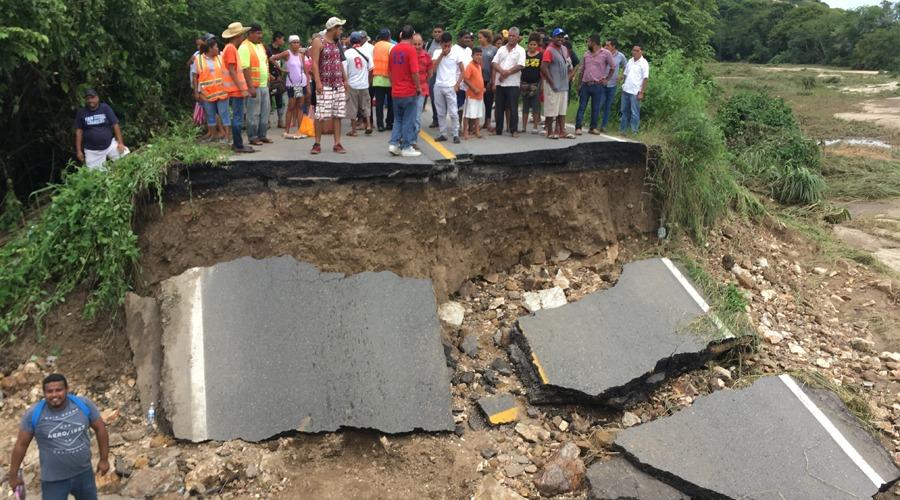 Colapsa en la 200 Puente Barajillas en la Costa   El Imparcial de Oaxaca