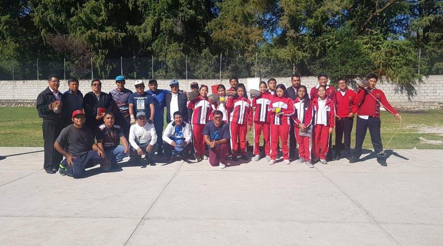 Buscan rescatar juego de la Pelota Mixteca en secundarias | El Imparcial de Oaxaca